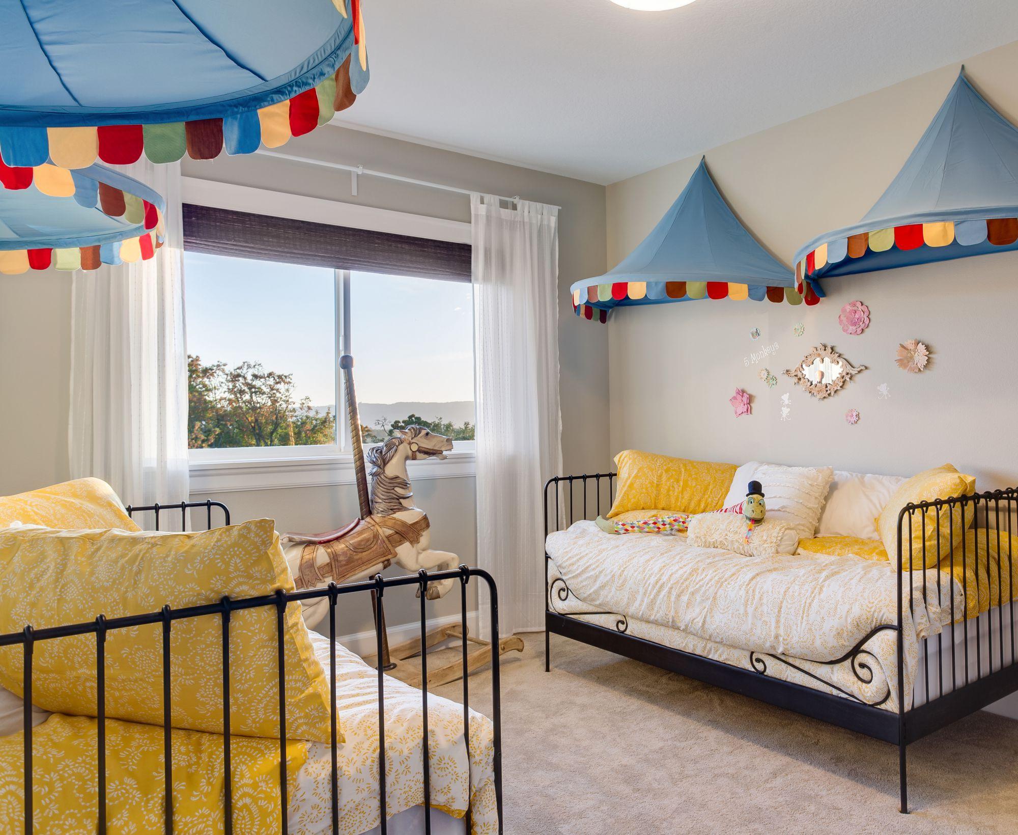 quels luminaires choisir pour une chambre d 39 enfant mag de la famille. Black Bedroom Furniture Sets. Home Design Ideas